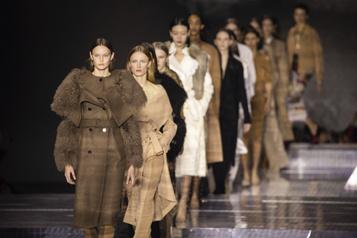 La Fashion Week de Londres renoue avec les vrais défilés)