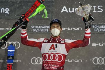 Ski alpin Marco Schwarz remporte le slalom de Schladming)