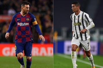 Encore positif à la COVID-19 Ronaldo ne jouera pas contre Messi et Barcelone mercredi)