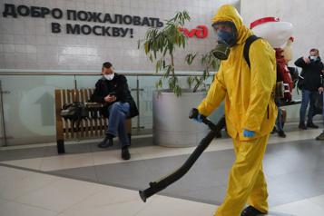 Flambée de COVID-19 en Russie Nouvelles restrictions sanitaires à Moscou