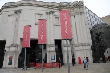 La National Gallery, premier musée londonien à se déconfiner)