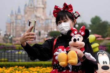 Disneyland rouvre à Shanghai avec plusieurs restrictions)
