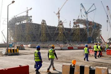 Coupe du monde2022 Au moins 6500travailleurs migrants ont péri sur les chantiers)