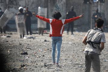 Nouveaux heurts entre policiers et manifestants en Irak)