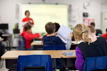 Des employés de l'État sans salaire s'ils n'envoient pas leur enfant à l'école)