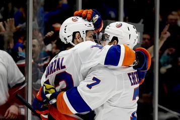 Jordan Eberle propulse les Islanders vers la victoire avec un tour du chapeau