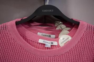 Les vêtements Forever21 de retour au Canada chez La Baie d'Hudson)