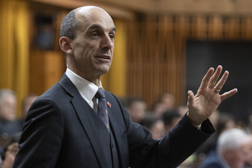 Course à la direction du PCC: Steven Blaney donne son appui à Peter MacKay)