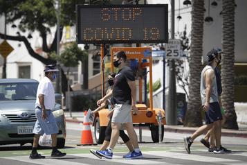 COVID-19: la Californie referme une partie de son économie)