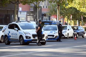 Madrid La police prise de court par une fête de 25000étudiants)