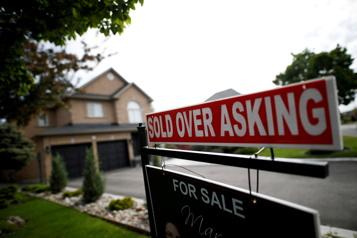 Ralentissement des ventes de maisons à Toronto en juillet)