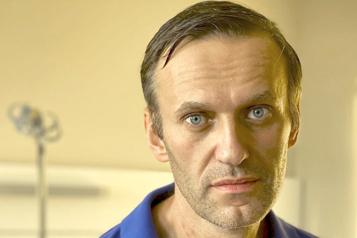 Premier entretien Biden évoque l'empoisonnement de Navalny avec Poutine)