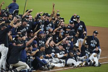 Les Rays éliminent les Yankees en cinq matchs)
