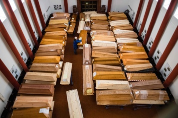 Pandémie Un crématorium allemand débordé par l'afflux de cercueils)