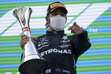 GrandPrix d'Espagne Lewis Hamilton signe une autre victoire)