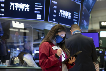 Bourse de New York Le NASDAQ finit à un niveau record)