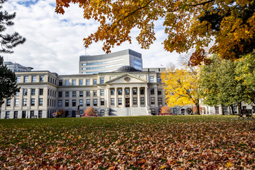 Controverse à l'Université d'Ottawa Alors, qui a le droit de prononcer le mot?)