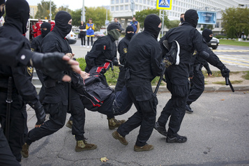 Biélorussie Près de 200personnes arrêtées lors de rassemblements d'opposition)