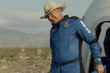 Vol dans l'espace Jeff Bezos frappé par «la beauté et la fragilité» de la Terre)