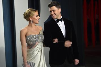 Scarlett Johansson se marie avec le comédien Colin Jost)
