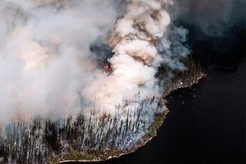L'incendie au Lac-Saint-Jean est «contenu»)