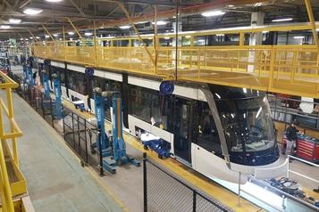 Bombardier met à pied 196 travailleurs à Toronto)