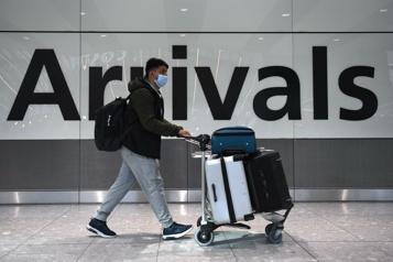 Angleterre Les restrictions sur les voyages à l'étranger assouplies)