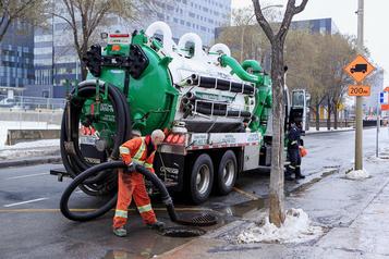 Liste noire des contrats publics  L'ancien roi des égouts banni de Montréal)