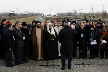Visite «historique» de responsables musulmans et juifs à Auschwitz