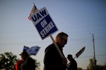La grève chez GM va continuer le temps que les adhérents votent sur l'accord