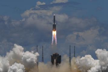 La sonde chinoise en route vers Mars envoie une photo de la Terre)