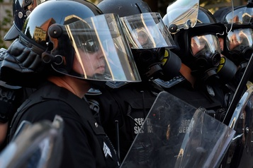 é.-U.?: Moscou ??scandalisé?? par la violence policière contre les journalistes)
