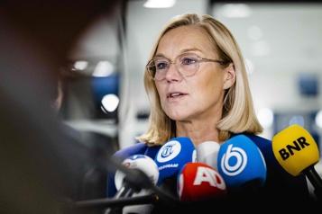 Chaos à Kaboul La cheffe de la diplomatie néerlandaise démissionne )