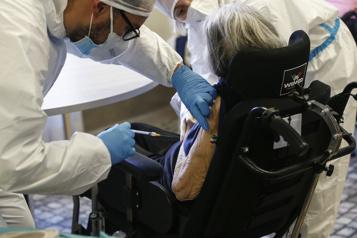 Résidants et personnel  La vaccination est terminée dans les CHSLD de la Montérégie)