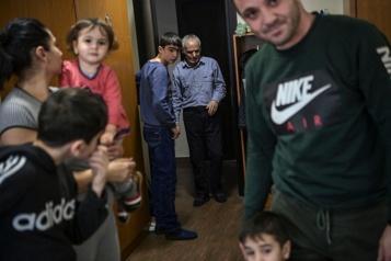 Après la guerre, la vie difficile des déplacés du Nagorny Karabakh)