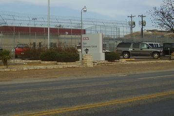 Joe Biden ne veut plus de prisons fédérales privées)