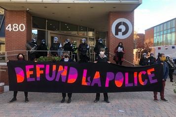 Manifestation pour le définancement de la police à Montréal)