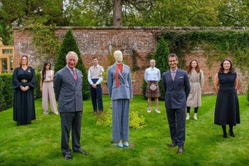 Le prince Charles soutient une collection durable)