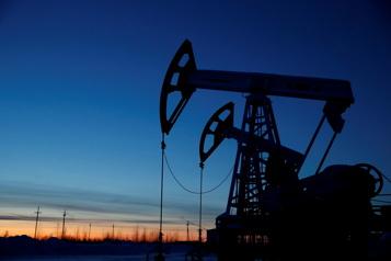 Le pétrole fait du sur place)