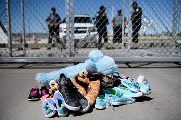 545 enfants de migrants toujours sans parents après avoir été séparés à la frontière )