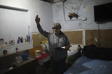 COVID-19 Le Pérou allège les mesures de confinement des personnes âgées)