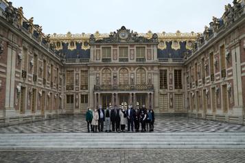 Le château de Versailles en quête de soutien et de renouveau)