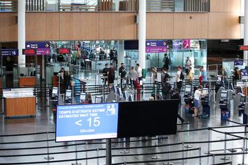 Coronavirus: les voyageurs arrivant d'Asie au Canada seront questionnés