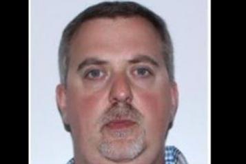 Un homme arrêté pour l'espionnage de cellulaires de vedettes