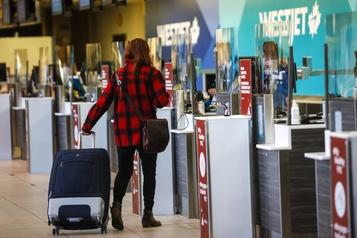 COVID-19 Les aéroports canadiens demandent une aide d'urgence)