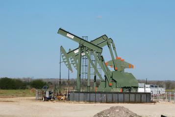 Le pétrole monte après des stocks américains moins importants que prévu