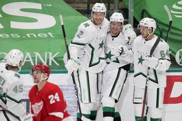 Les Stars remportent une quatrième victoire de suite)