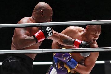 Boxe Un combat d'exhibition? Pas pour Mike Tyson! )