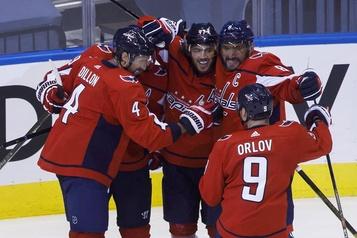 Les Capitals infligent une troisième défaite de suite aux Bruins)