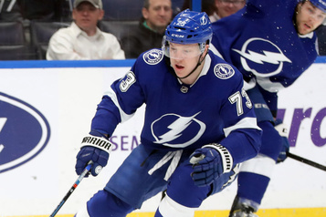 Le Lightning échange Adam Erne aux Red Wings